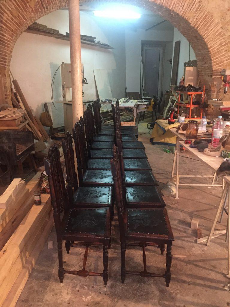 cadeiras_couro_gravado5
