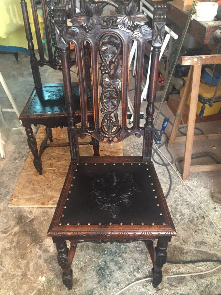 cadeiras_couro_gravado6